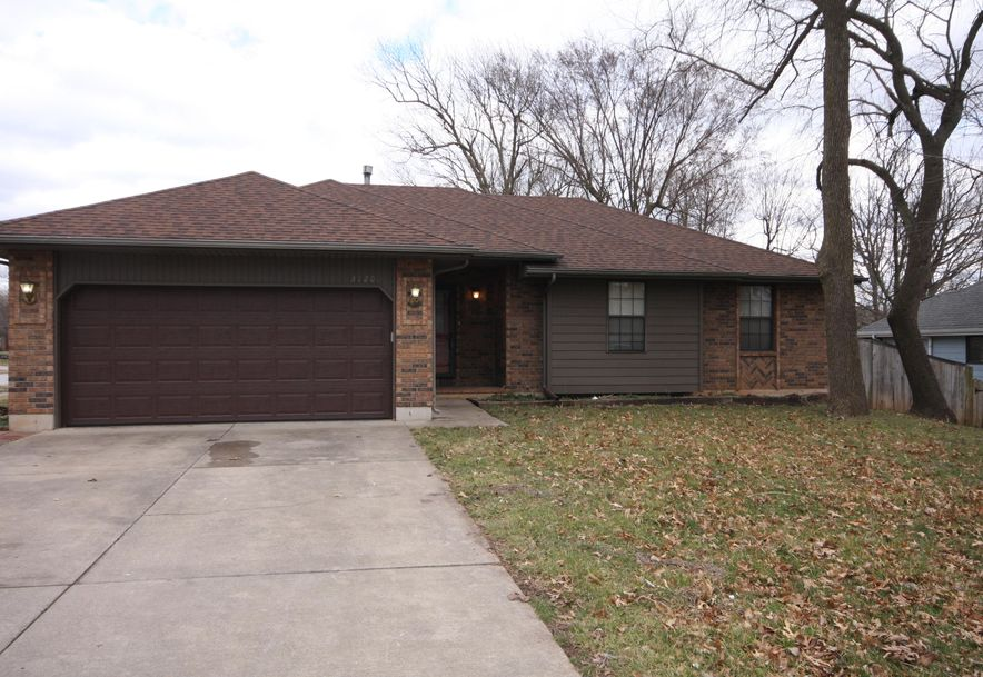 3120 South Meadowlark Avenue Springfield, MO 65807 - Photo 2