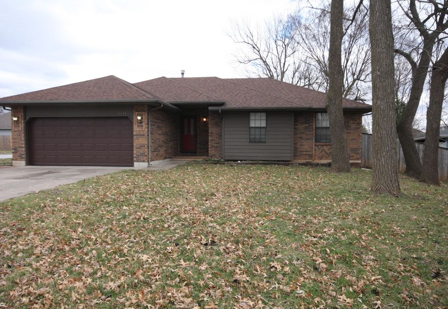 3120 South Meadowlark Avenue Springfield, MO 65807 - Photo 3