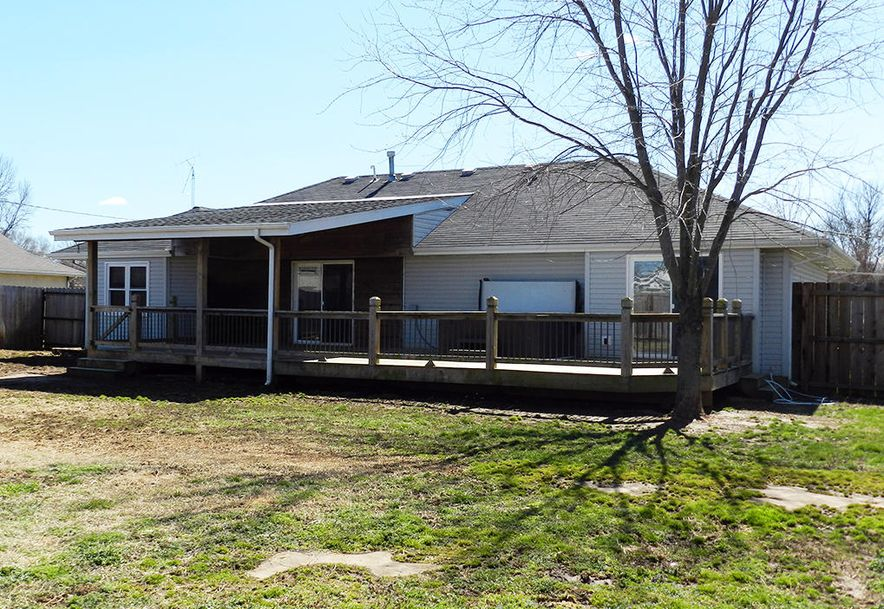 217 East New Melville Road Willard, MO 65781 - Photo 4