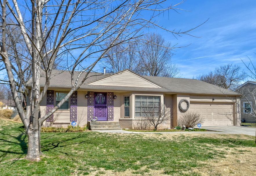 1519 West Crestview Street Springfield, MO 65807 - Photo 1