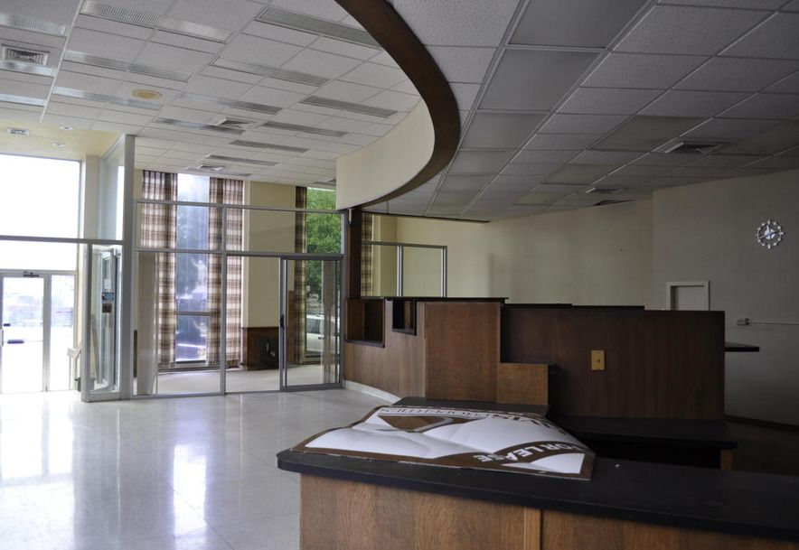 101 South Main Street Bolivar, MO 65613 - Photo 6