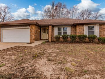 2057 South Butterfly Avenue Springfield, MO 65807 - Image 1