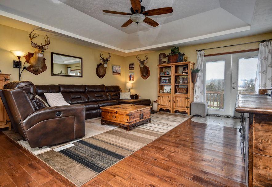 917 Chestnut Road Seymour, MO 65746 - Photo 2