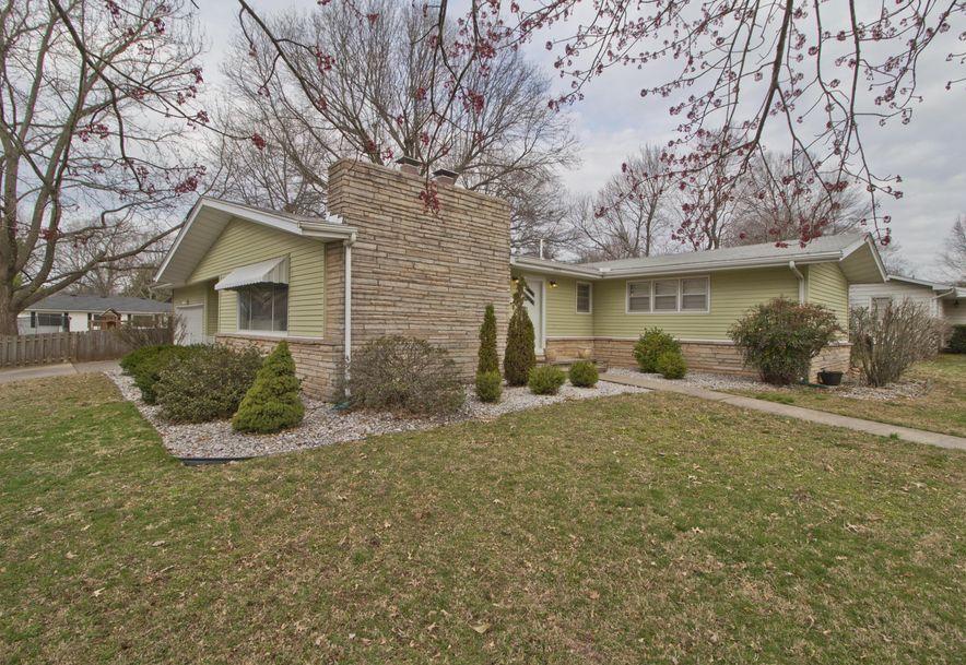 2023 South Saratoga Avenue Springfield, MO 65804 - Photo 1