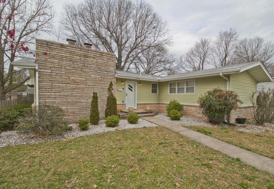 2023 South Saratoga Avenue Springfield, MO 65804 - Photo 2