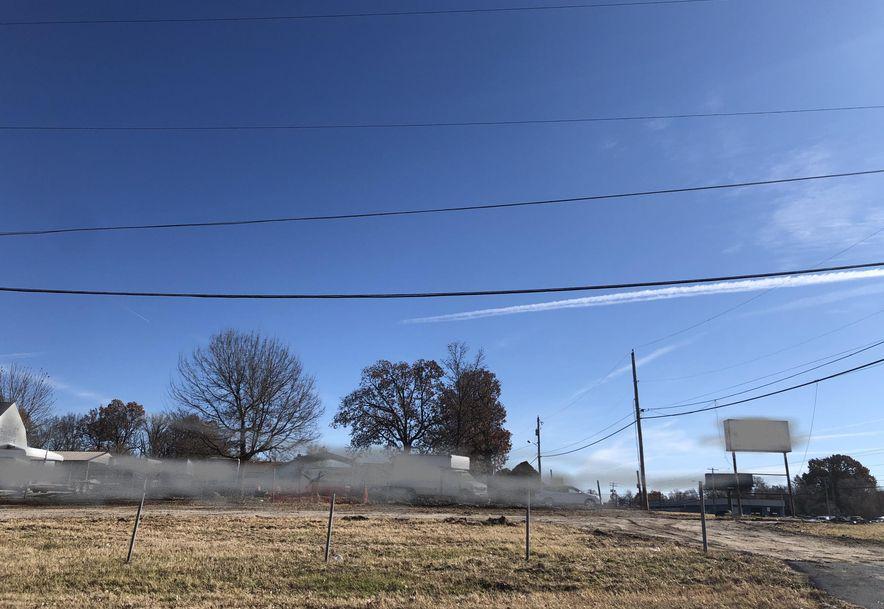 2939 West Sunshine Street Springfield, MO 65807 - Photo 3