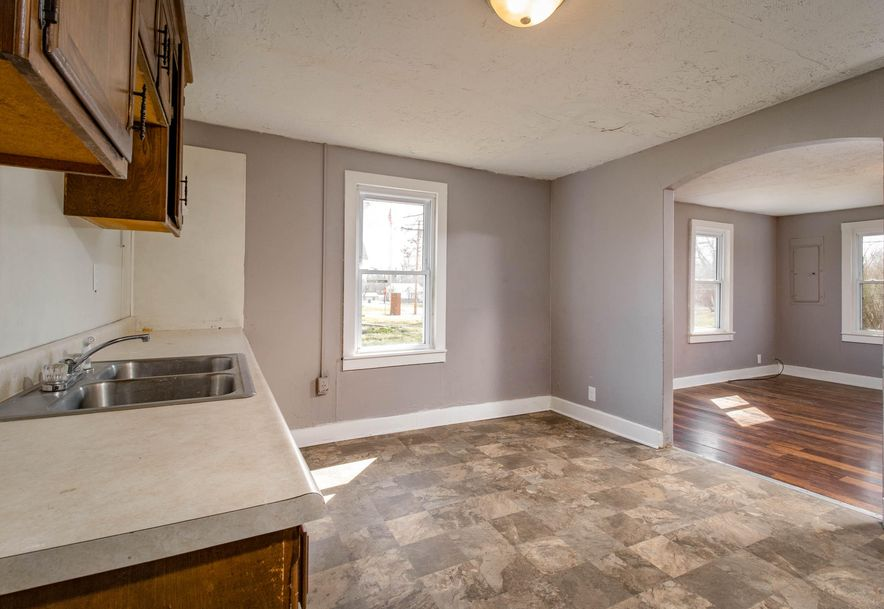 203 West Lincoln Street Marionville, MO 65705 - Photo 4