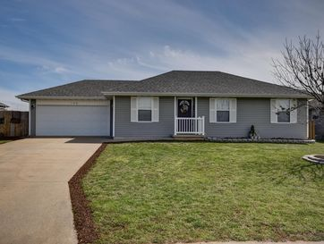 108 Cherry Avenue Clever, MO 65631 - Image 1
