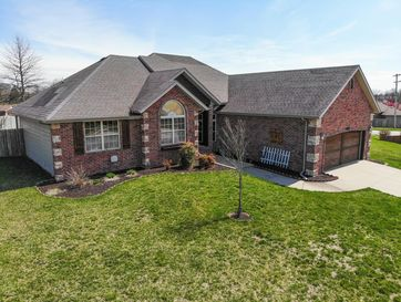5400 South Carson Avenue Battlefield, MO 65619 - Image 1