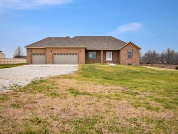 384 Lilac Lane Clever, MO 65631 - Image 1