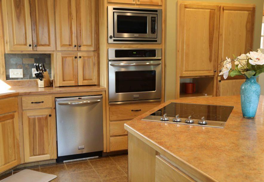 1556 East 464th Road Bolivar, MO 65613 - Photo 12