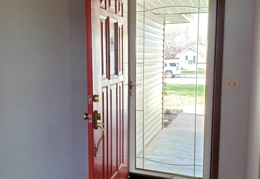204 Country Lane Mt Vernon, MO 65712 - Photo 3