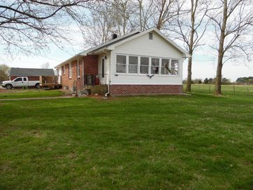 1306 East High Street Aurora, MO 65605 - Image 1