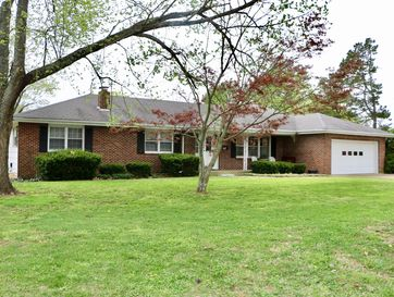 110 West 10th Street Willow Springs, MO 65793 - Image 1