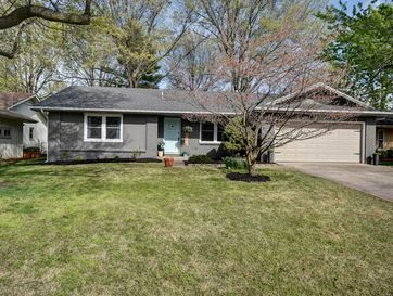 2526 South Pickwick Avenue Springfield, MO 65804 - Image 1