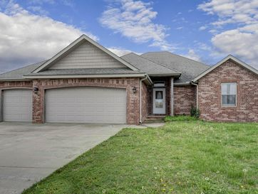 109 Deer Run Willard, MO 65781 - Image 1