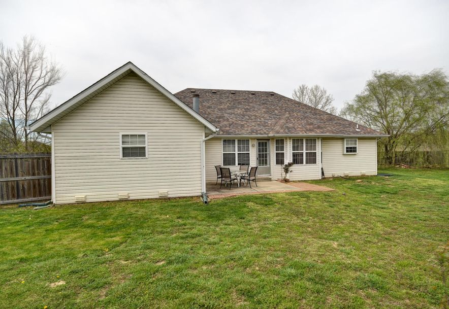 1802 Tyler Street Aurora, MO 65605 - Photo 26