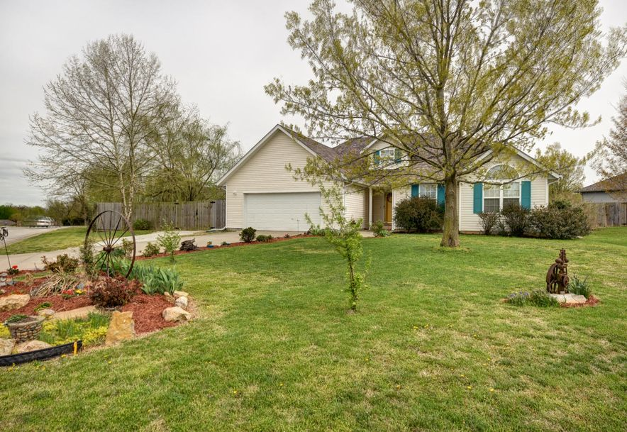 1802 Tyler Street Aurora, MO 65605 - Photo 29