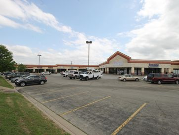 180 Mall Road H Hollister, MO 65672 - Image 1