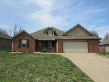 207 North Finch Court Willard, MO 65781 - Image 1
