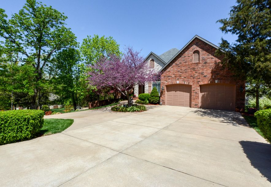 606 Stoneykirk Circle Branson West, MO 65737 - Photo 2