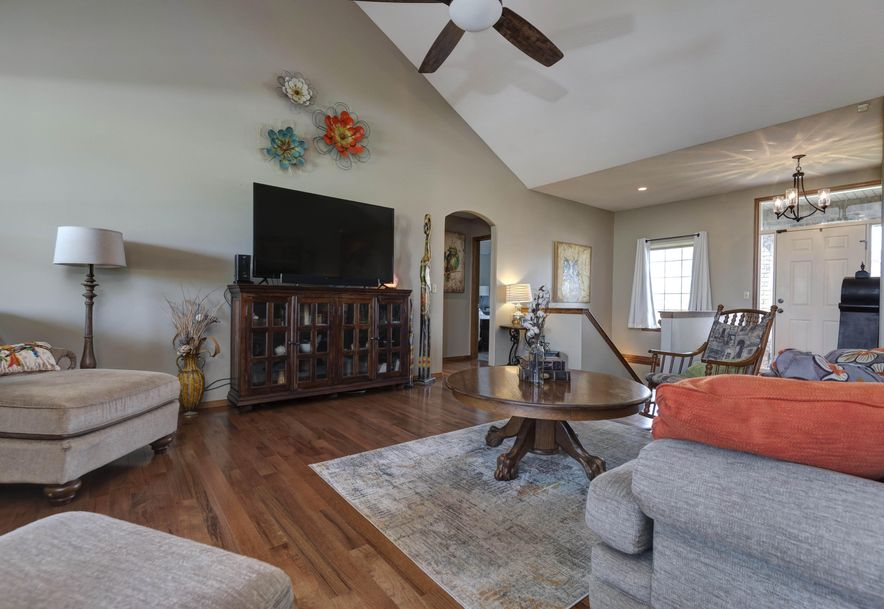 527 Piperpoint Rogersville, MO 65742 - Photo 9