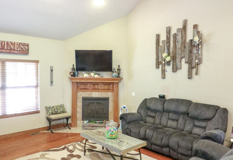 317 East McKale Marionville, MO 65705 - Photo 4