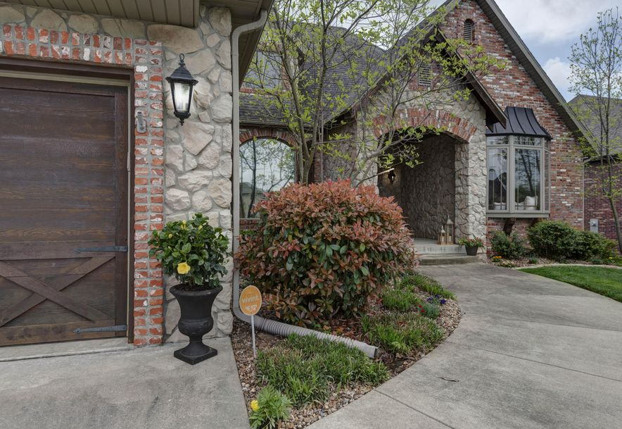 6433 South Valley Brook Court Springfield, MO 65810 - Photo 2