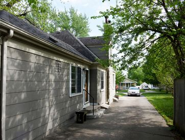 Photo of 631 East Cozy Street