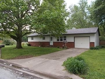 667 West Elm Street Aurora, MO 65605 - Image 1