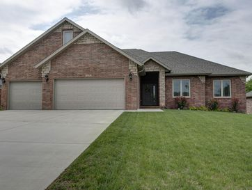 5202 East Wild Horse Drive Springfield, MO 65802 - Image 1