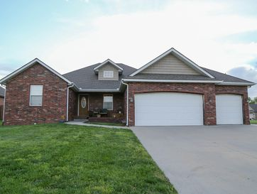 209 Meadowlark Willard, MO 65781 - Image 1
