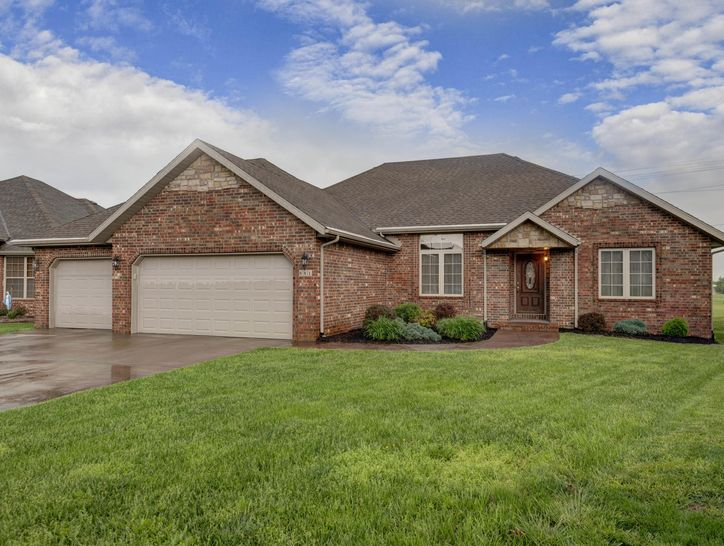 Photo of 881 West Chestnut Bend Circle