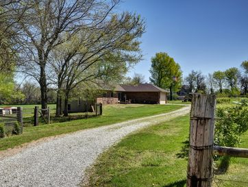 465 East War Horse Lane Willard, MO 65781 - Image 1