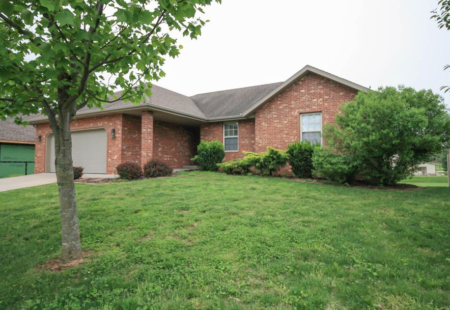 210 West Mazzy Drive Springfield, MO 65803 - Photo 2
