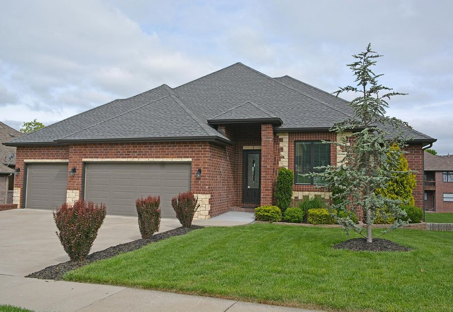 5985 South Lakepoint Drive Springfield, MO 65804 - Photo 2