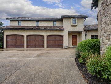 Photo of 3751 East Knollwood Drive