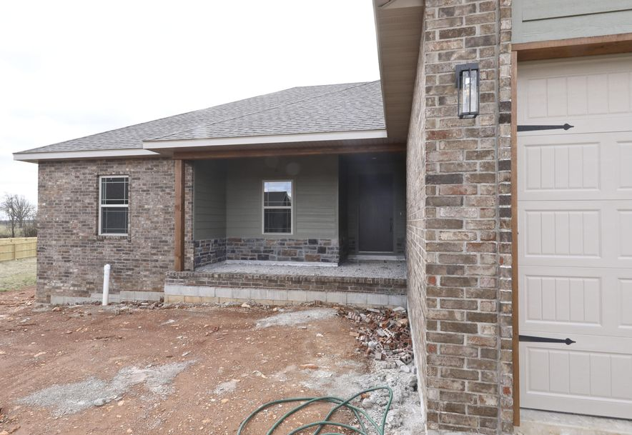 5645 East Park Place Strafford, MO 65757 - Photo 2