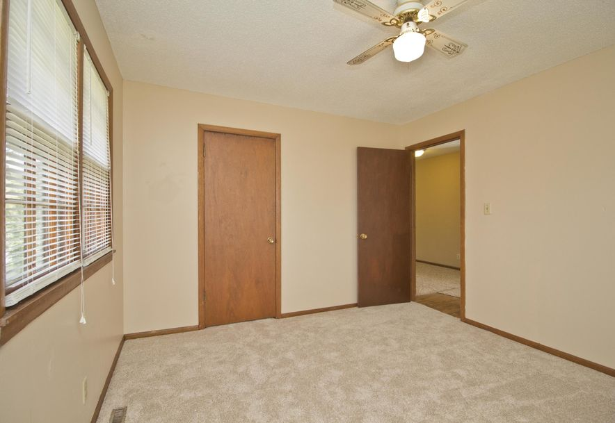 2035 West Melville Road Springfield, MO 65803 - Photo 23