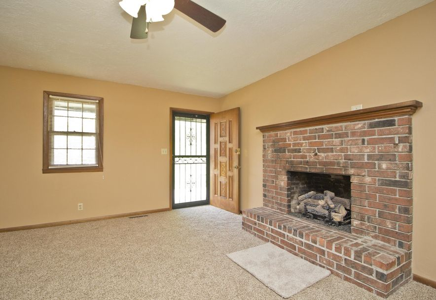 2035 West Melville Road Springfield, MO 65803 - Photo 5
