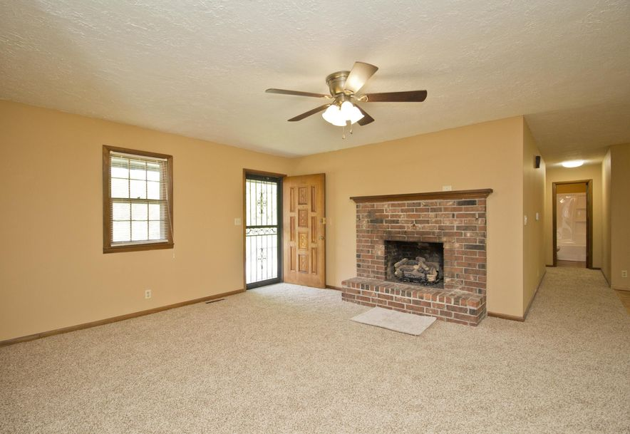 2035 West Melville Road Springfield, MO 65803 - Photo 6