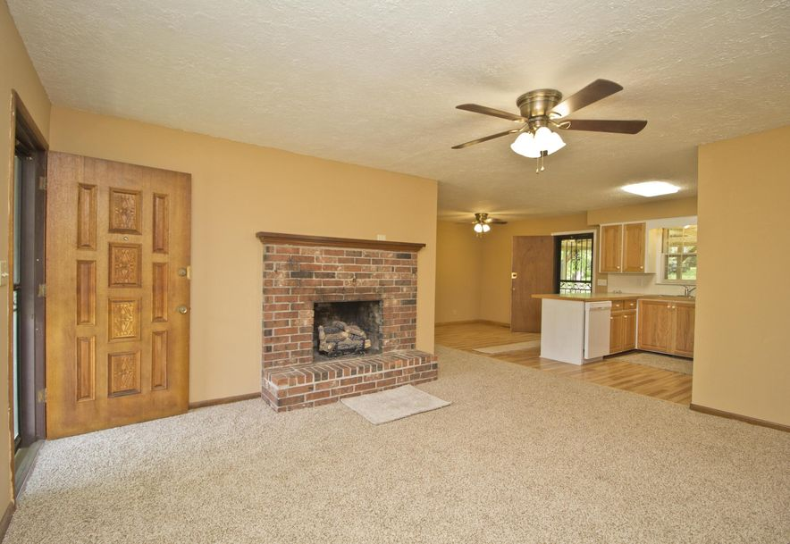 2035 West Melville Road Springfield, MO 65803 - Photo 7
