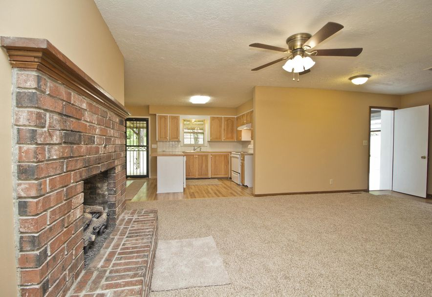 2035 West Melville Road Springfield, MO 65803 - Photo 9