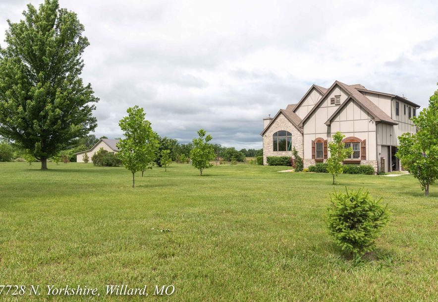 7782 North Yorkshire Lane Willard, MO 65781 - Photo 4