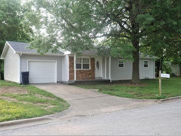 904 Oak Ridge Drive Aurora, MO 65605 - Image 1