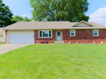 1335 East Edgewood Street Springfield, MO 65804 - Image 1