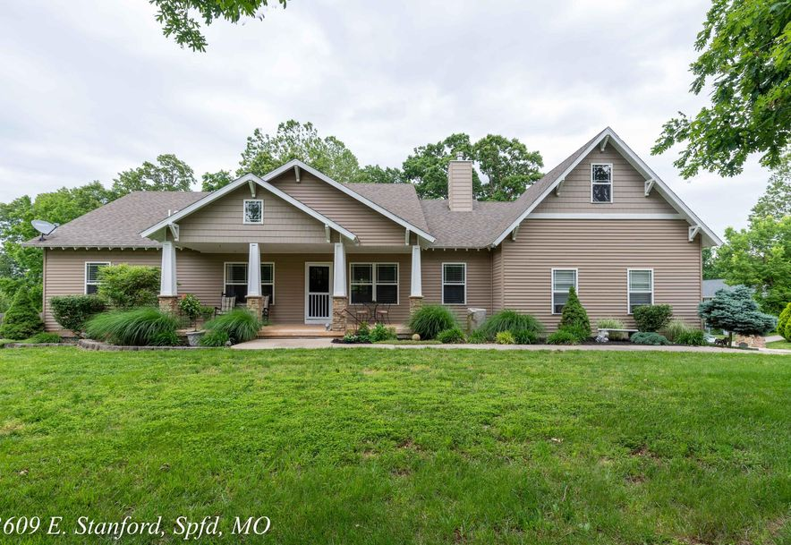 3609 East Stanford Street Springfield, MO 65809 - Photo 1