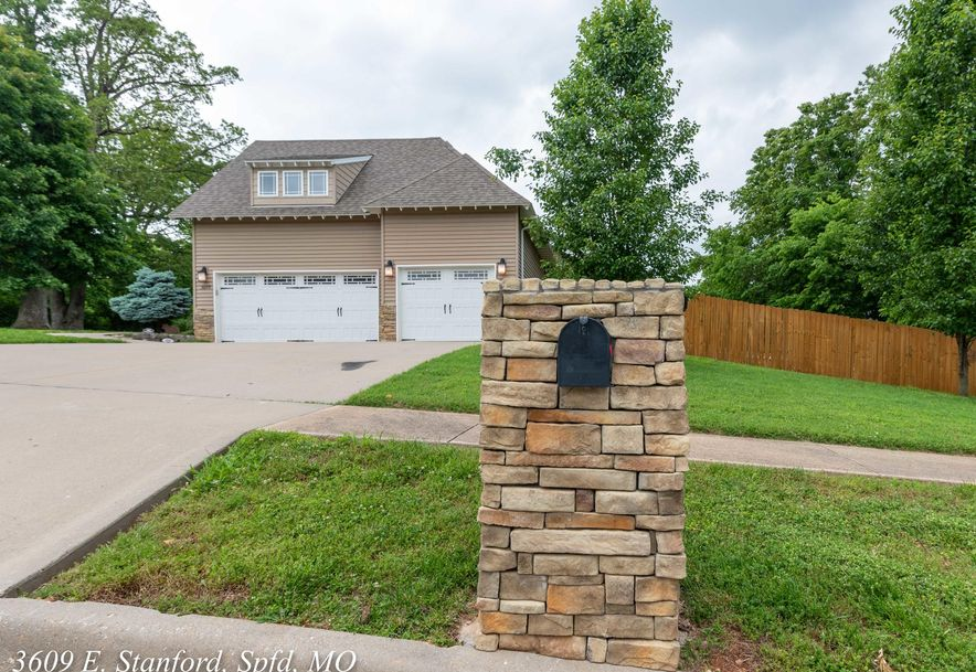 3609 East Stanford Street Springfield, MO 65809 - Photo 5