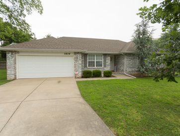 3809 South Crystal Place Springfield, MO 65807 - Image 1
