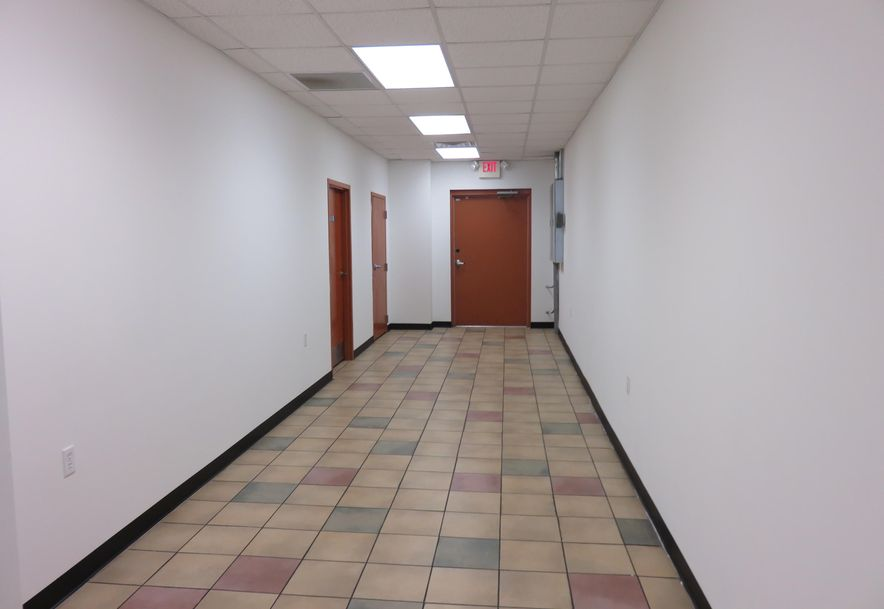 190 Mall Road A & B Hollister, MO 65672 - Photo 5